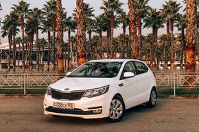 rental car photo KIA Rio Hatchback 2017, Белый Car&Go companies in Sochi